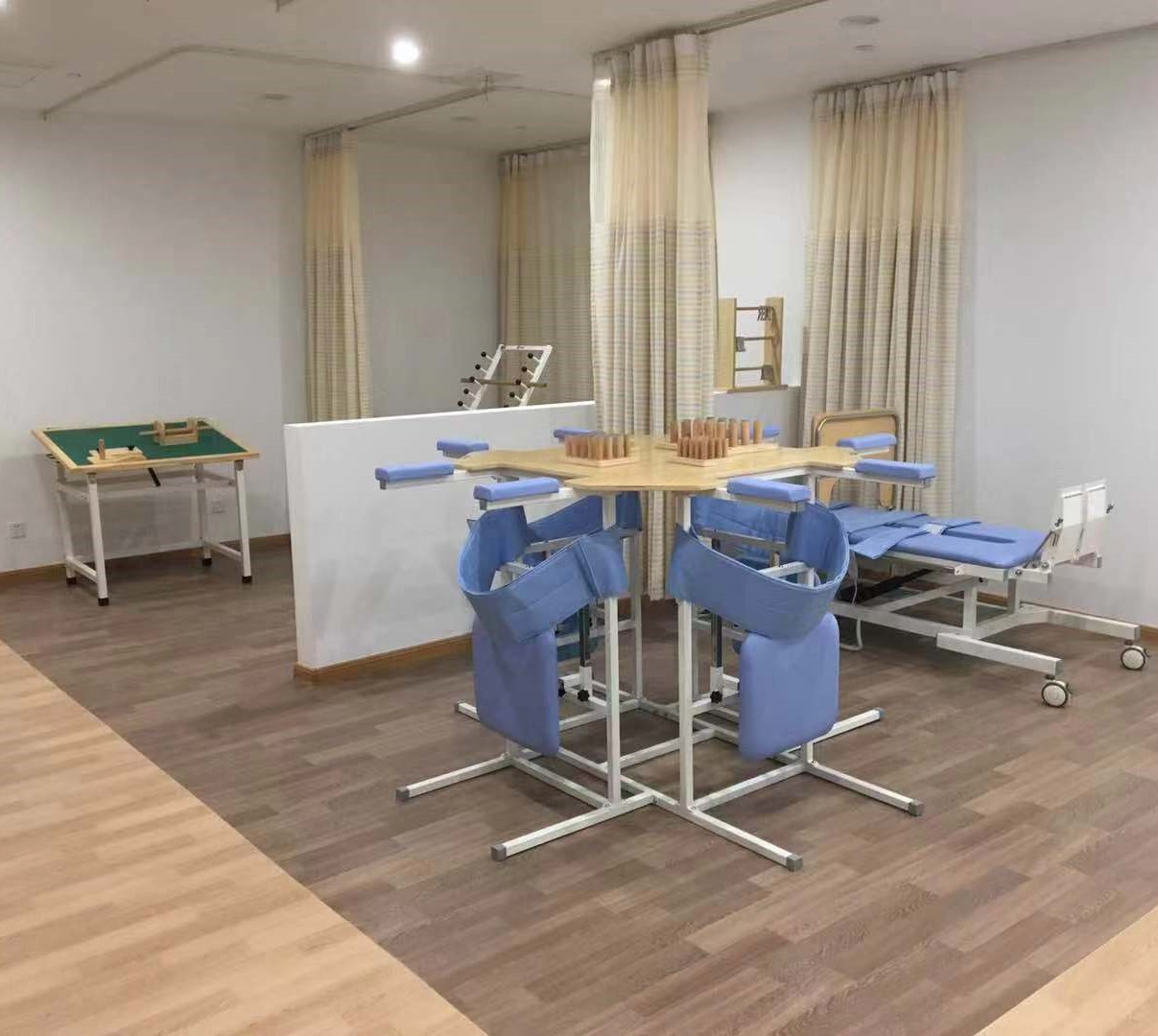 Elderly-Care-Centre-China-Flooring Thomson Medical